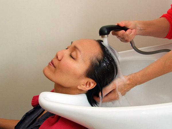 Shampoing relaxant salon de coiffure Haguenau